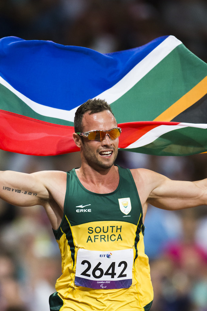 Paralympics games Oscar Pistorius(RSA) react weaving the nationa